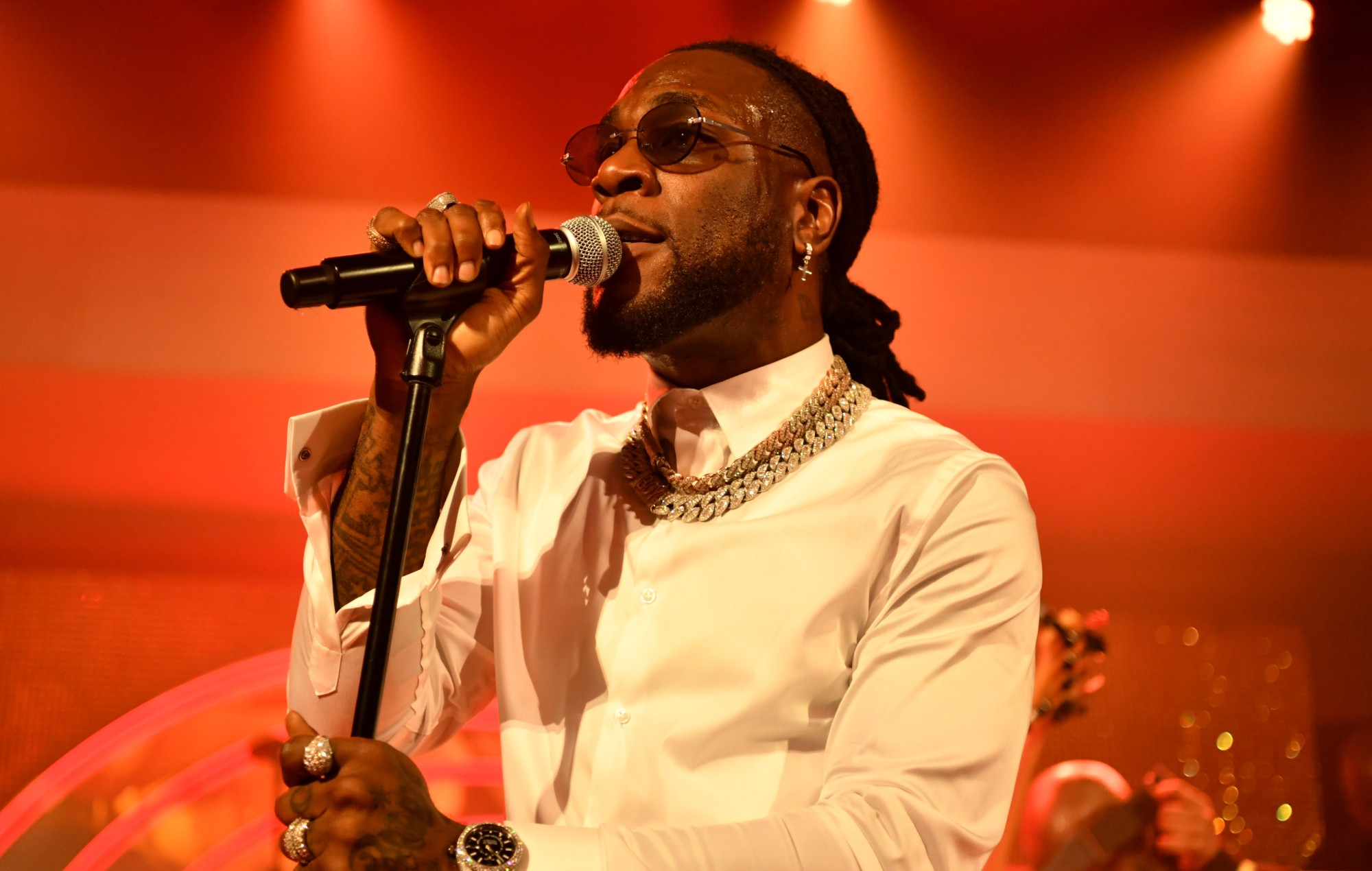 Burna Boy dedicates his BET performance to all victims of SARS brutality (Video)