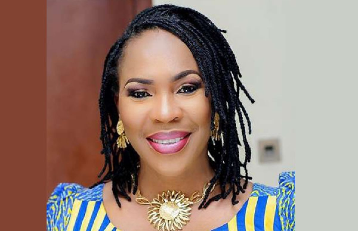 """""""You are getting old"""" – Fans react to Actress Fathia Balogun's new photo"""